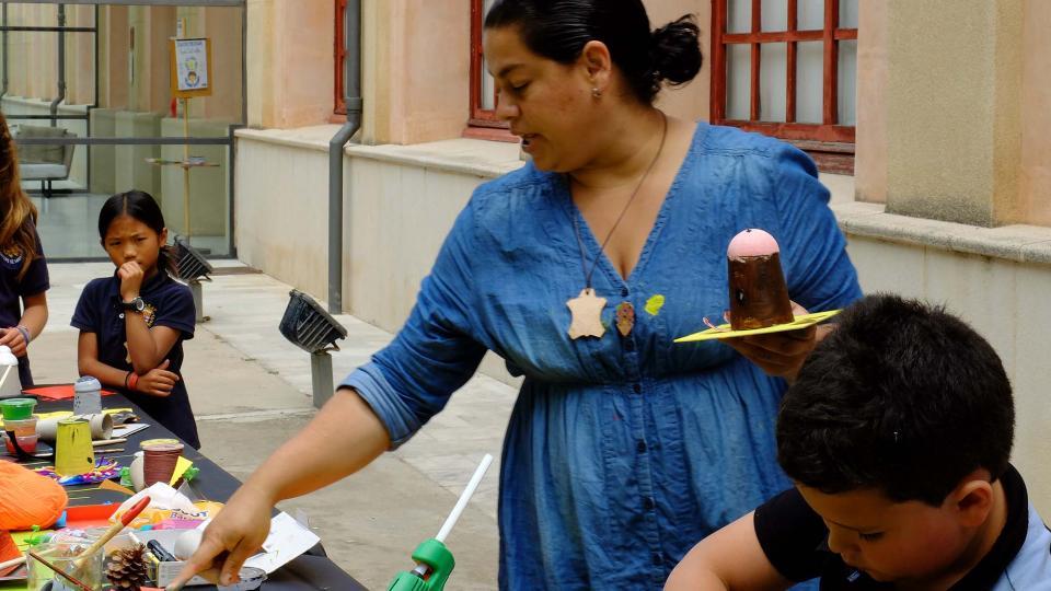 Clàudia Torres, taller de decoració nadalenca