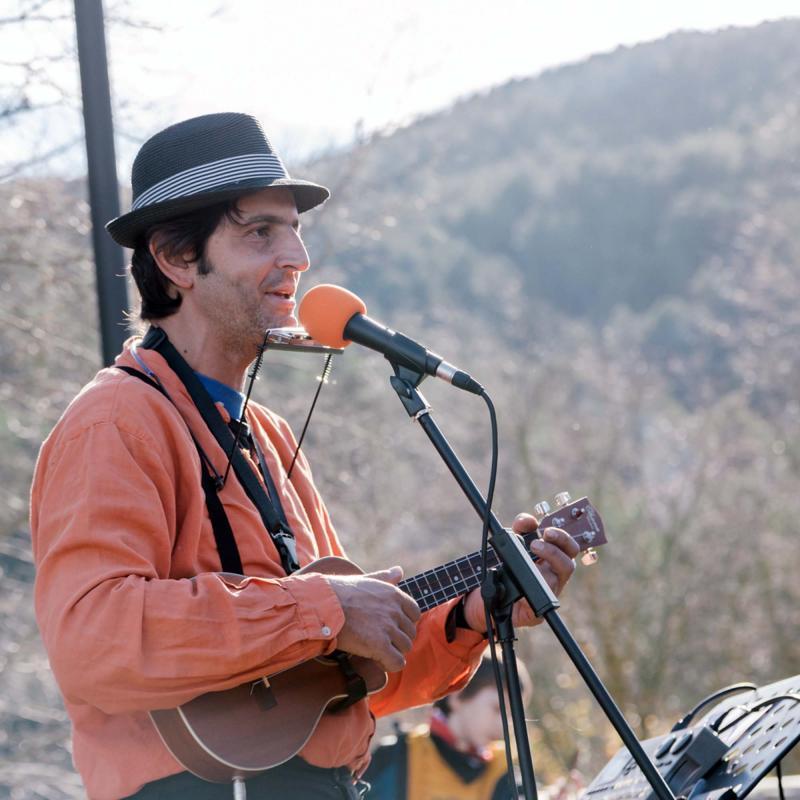 10.12.2016 Jordi Giralt animant la festa  Clariana -  Mariona Miquel