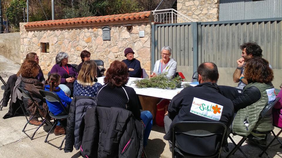 Taller de 'Macerats de plantes medicinals contra el dolor' a càrrec d'Astrid van Ginkel