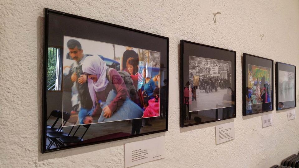 23.09.2017 Exposició de fotografies 'Posa't al seu lloc' de Dan Ortínez i Bernat Enrich  Clariana -  Marina Berenguer