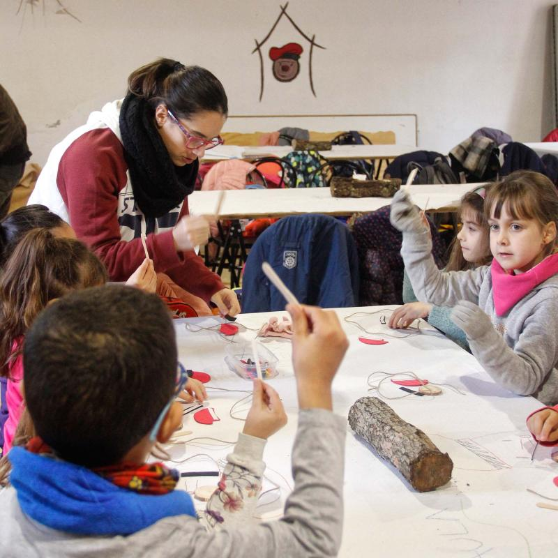 Els alumnes de l'escola Taquígraf Garriga d'Esparreguera venen a veure els primers tions