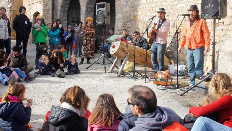 08.12.2018 Jordi Giralt animant la festa  Clariana -  Bàrbara Balcells